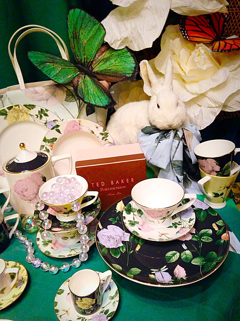 A magical afternoon tea with @ted_baker and @byportmeirion #TeawithTed #Glade #NewCollection #OutSoon #afternoontea http://t.co/THTcAFNWI3