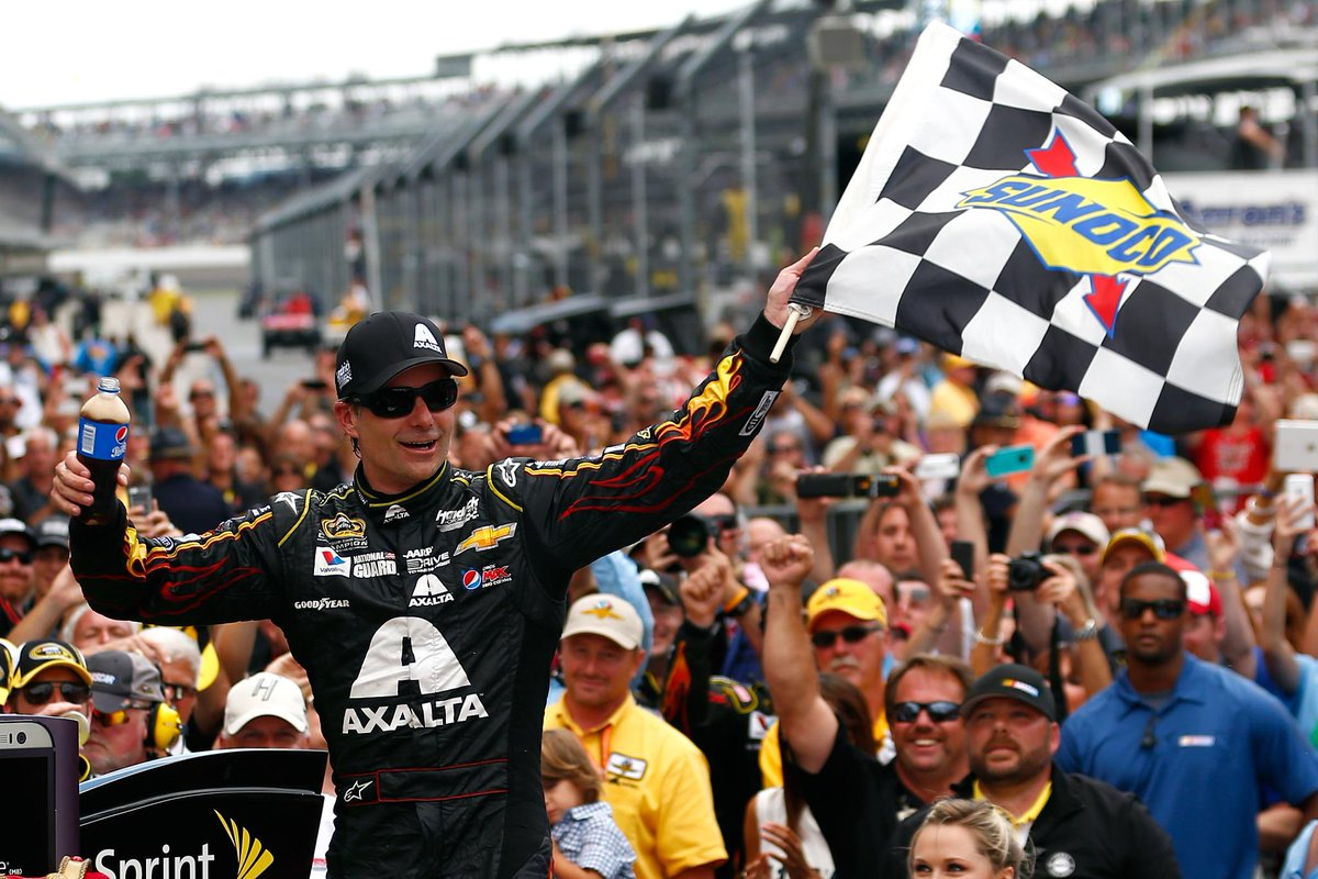 BREAKING: Jeff Gordon says that 2015 will be his final full season in Sprint Cup Series. He's 3rd all-time in wins. http://t.co/Bu9HHNAfo8