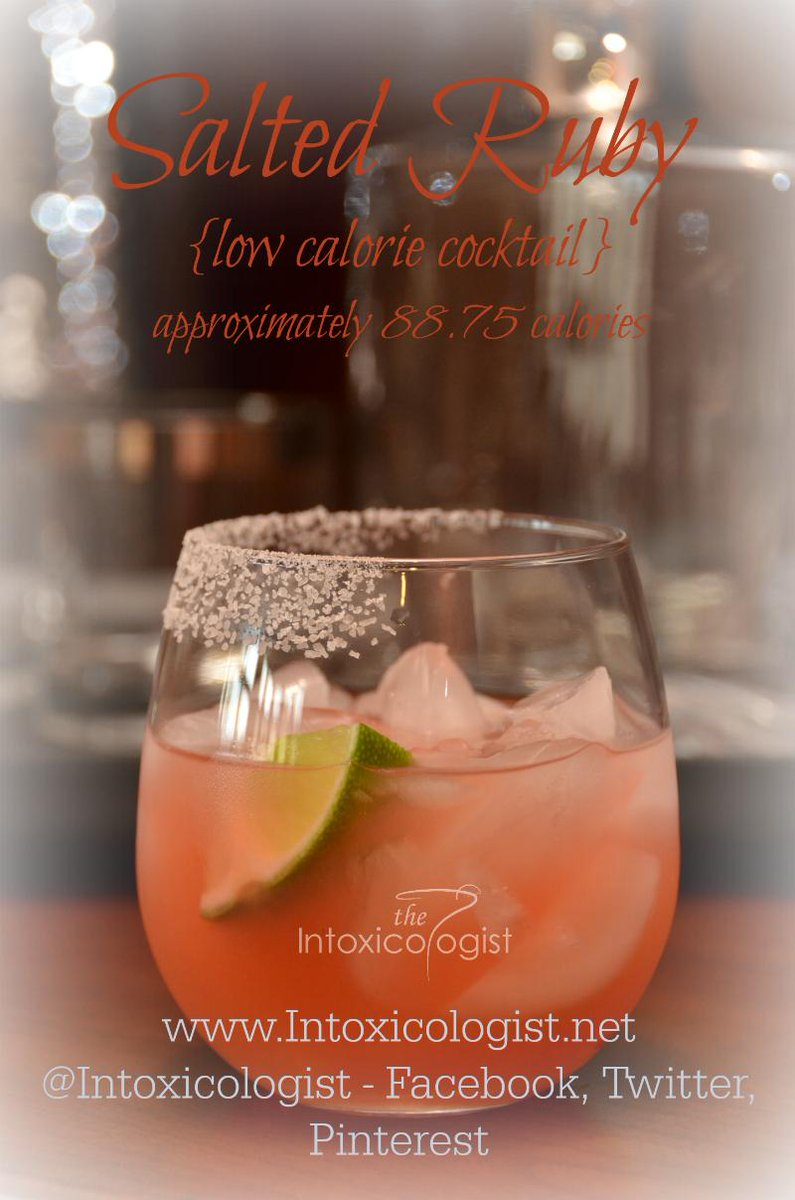 Salted Ruby (under 100 calories) Tequila, grapefruit, lime, bitters http://t.co/cWmjzPkbpY http://t.co/iAA0SGvW0b