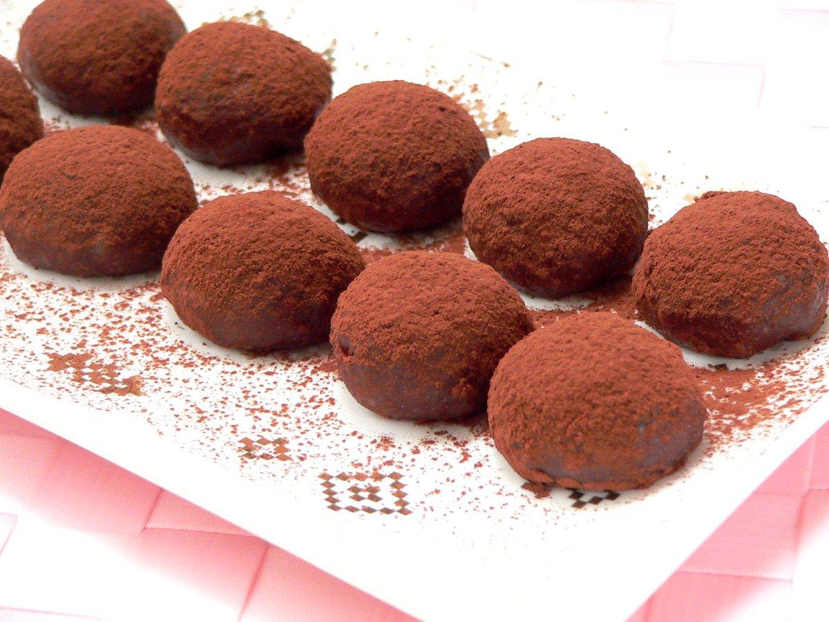 切り餅と板チョコで作る、もちとろチョコレート餅 http://t.co/WmYhSzYQwS http://t.co/iovS56Lo8K