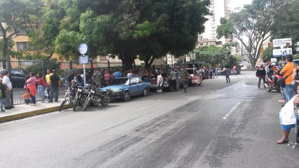 Protestas Enero 2015 - Página 2 B7AgbB1IIAALST_