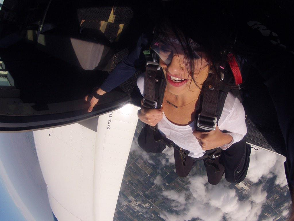 Yea this happened today #skydiving #bucketlist ✔️ http://t.co/zITDL3v7jk