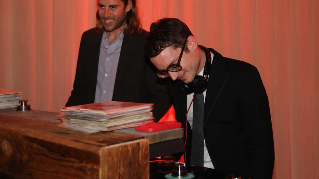 #ARTHeals and so does good music. A man of many talents, @woodelijah lends his DJ skills tonight. http://t.co/eIWts1nHDL
