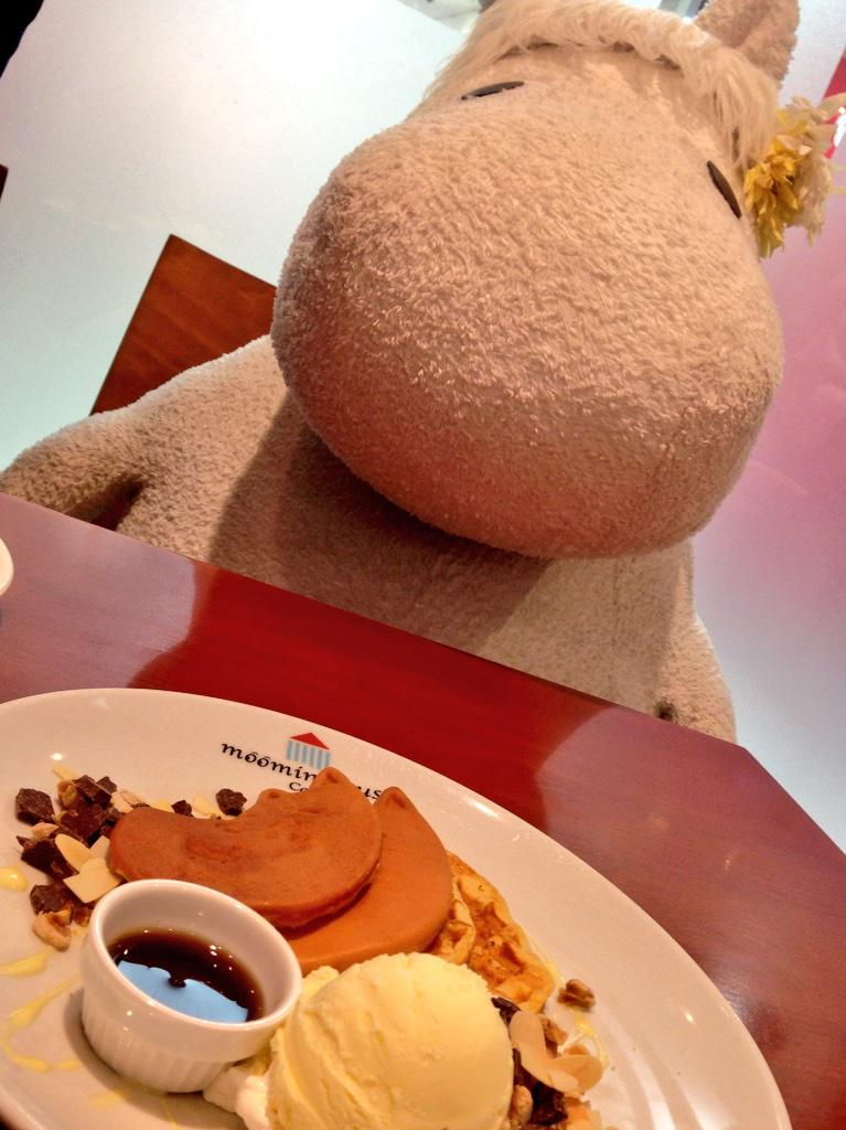 Brunch - with a Moomin! http://t.co/69jwfptVRH