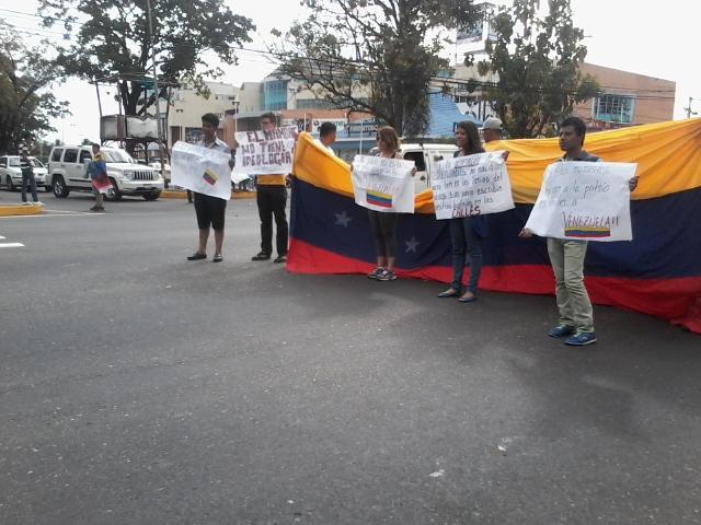 Protestas Enero 2015 - Página 3 B7F-HioIQAEGM3U