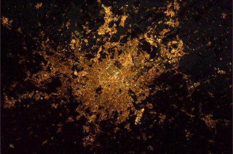 For all the people demonstrating in Paris today: My picture of Paris by night from the International Space Station. http://t.co/NUjCGUTtIp