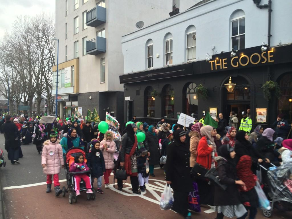 Huge march of Muslim women in Walthamstow with signs expressing that Islam is a religion of peace. http://t.co/ANEUwrSTDg