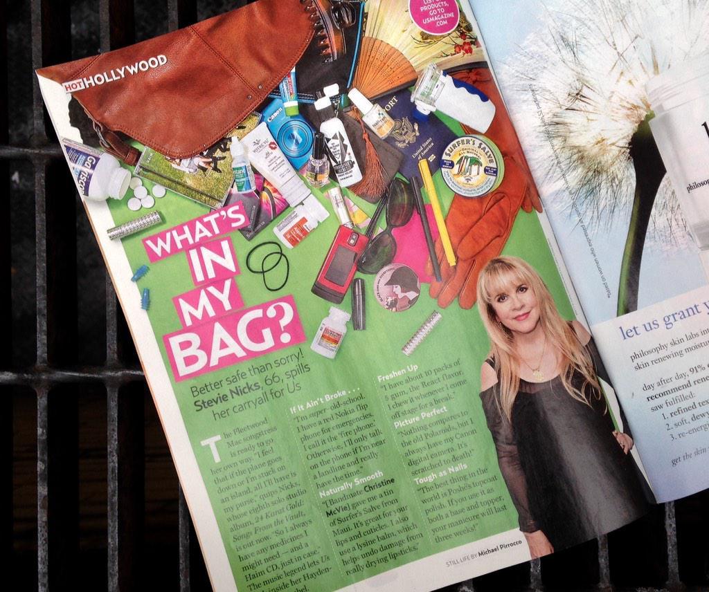 On newsstands now: @StevieNicks lets @usweekly peek inside her Hayden-Harnett satchel! We love you, Stevie! <3 http://t.co/8tarRJD0Ev