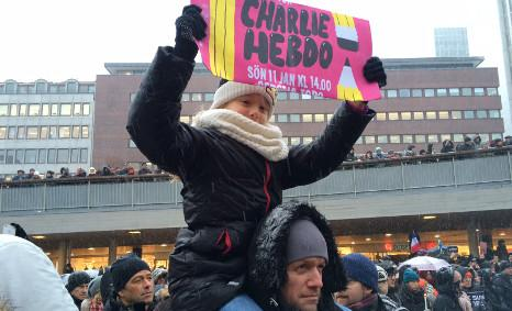 "#Stockholm #CharlieHebdo ""record turnout"" for a winter rally in Swedish capital, say police: http://t.co/a3m7BrxD8f http://t.co/R9kyVfmeqA"