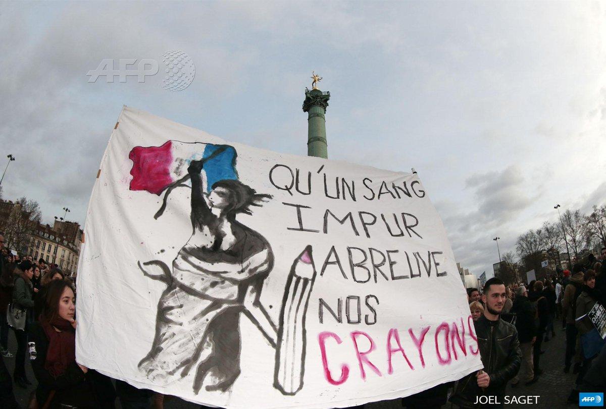 Banderole à la manifestation du 11 janvier 2015 suite aux attentats de Charlie Hebdo à Paris
