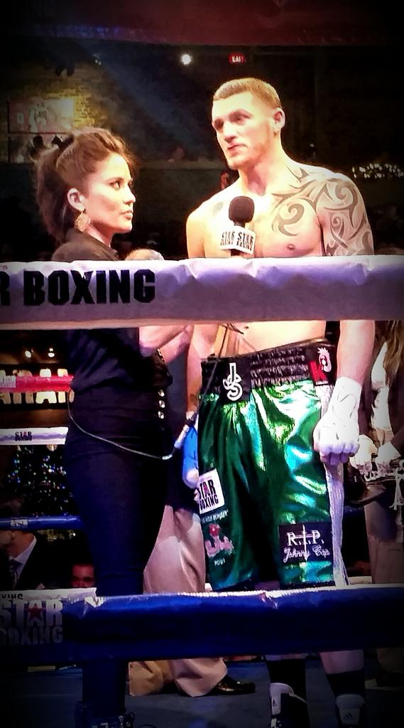 Watch me at 9PM tonight on @MSGNetworks as part of the boxing commentary team @starboxing @CletusSeldin @joedeguardia http://t.co/sqJtADa3CC