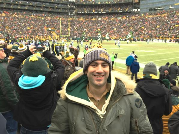 Wearing the same Air Force parka my father wore to the Ice Bowl. #GoPackGo http://t.co/06AnvpmpDs