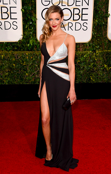 The most unboring thing she's done since Arrow episode 1. RT @JarettSays: Yowzas, Katie Cassidy #Arrow #GoldenGlobes http://t.co/Ku6SXYYkCm
