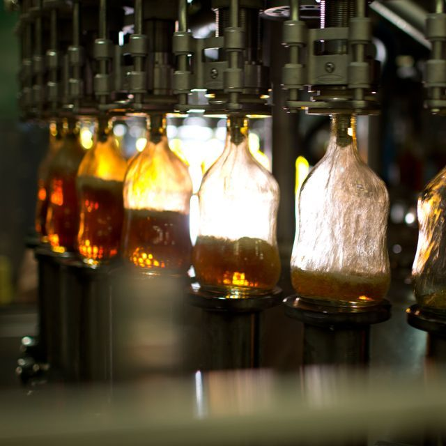 All of our rums are bottled in Jamaica, making our entire process 100% #Jamaican from cane to cup. #AppletonEstate http://t.co/x4qsrVk9y0
