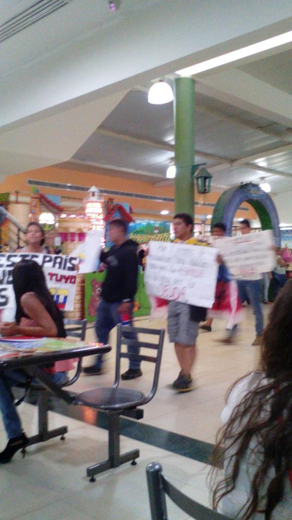 Protestas Enero 2015 - Página 3 B7Go5ldIIAE-YME