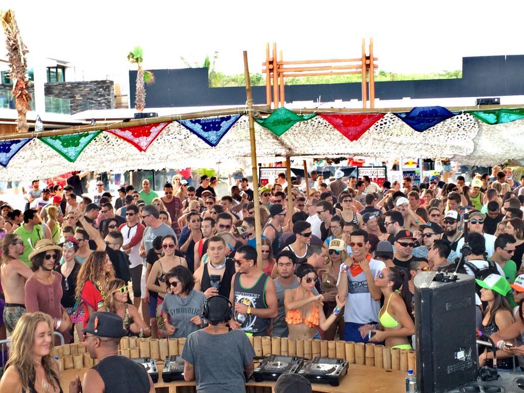 "#GoodTimes!! @MamitasBeach #bpm2015 #atmamitas #PlayadelCarmen @TheBPMFestival @imhousegangster @djheather @DJ_Sneak http://t.co/s0oYXgyA6O"""