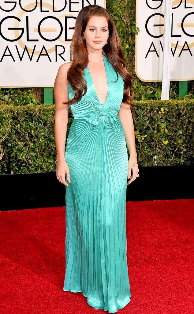 Lana Del Rey looks amazing as The Little Mermaid! #ERedCarpet http://t.co/ahVa10R8sT