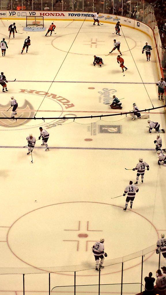 OMG!!! All the @AnaheimDucks and @NHLJets are wearing Teemu! #For8verTeemu http://t.co/BHYYI8UMq2