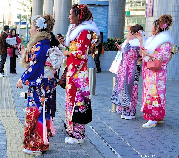 Coming of Age Day (Seijin no Hi), girls dressed in furisode http://t.co/1R9k5TOUnH #Japan http://t.co/F7E6yr9bj4