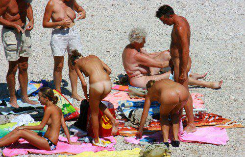 outing nude family