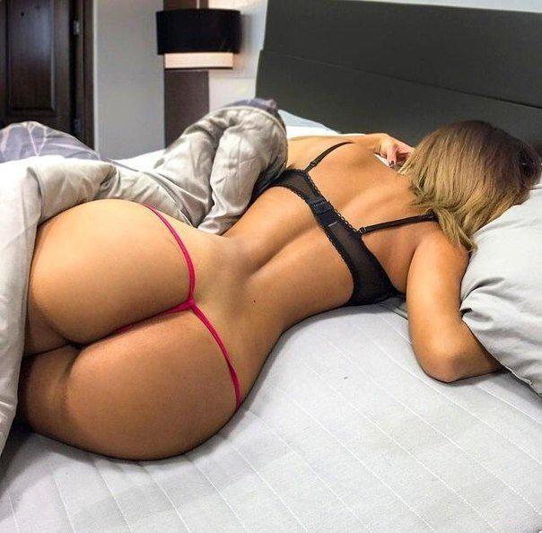 Pussy Ass booty bum butt tush tushy volleyball damn....she's smoking