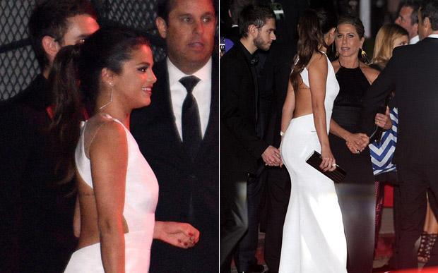 Selena de mãos dadas com Zedd no Globo de Ouro.
