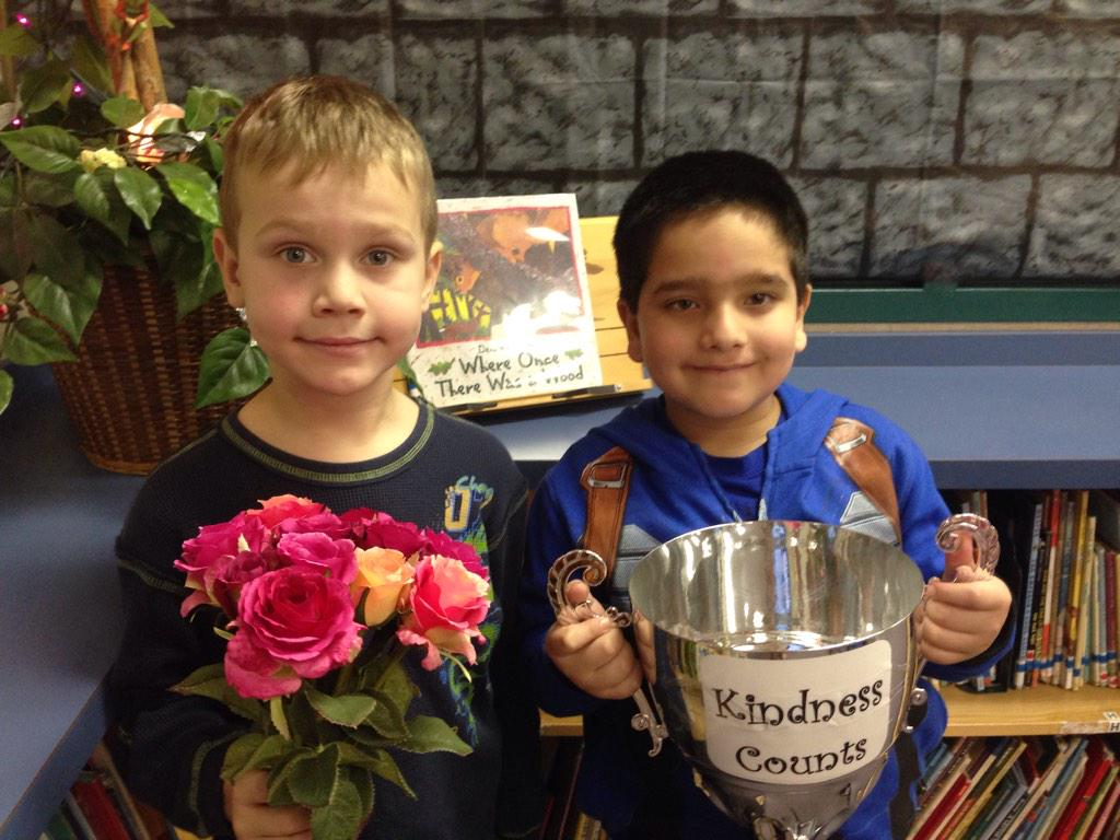 V played with me and made my feelings better. L #gvlearn #KindnessCounts http://t.co/sC8k5fzXCB