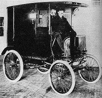 Today in #Transportation History, 1900: Detroit Auto Co, led by Henry Ford, debuts 1st product, a delivery van. http://t.co/FWjHsplZfM