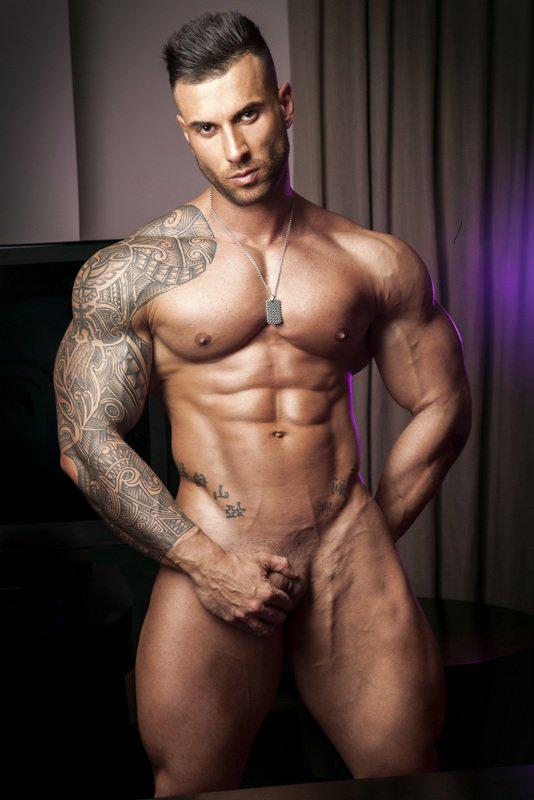 hot annunci milano bodybuilder escort gay