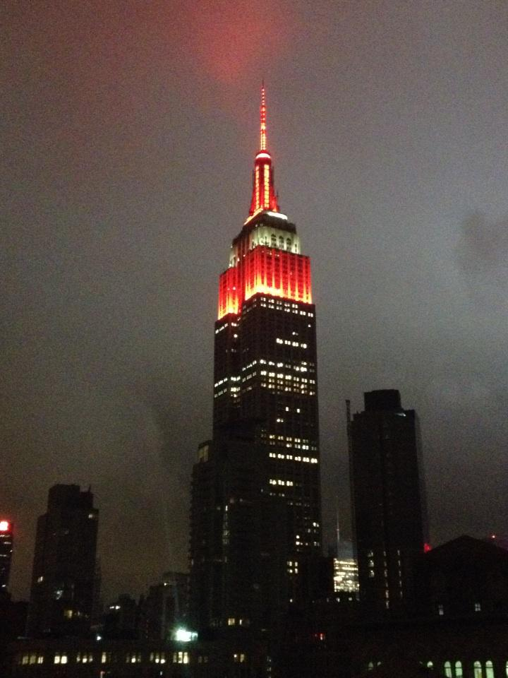 Live from New York...the Empire State Building dressed in scarlet and gray after Ohio State's victory http://t.co/qPtqwxTGq5