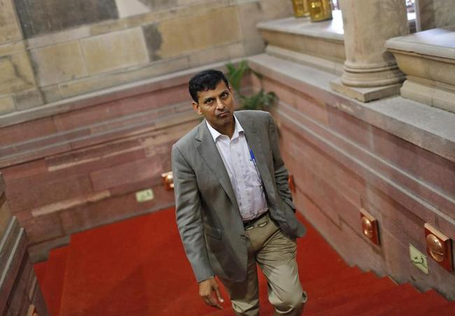 RBI chief Raghuram Rajan named 'governor of the year' in the Central Banking Awards by a British magazine http://t.co/i5lfyPonCu