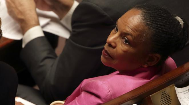 EXCLUSIF - L'énorme boulette de Christiane Taubira en pleine semaine d'attentats > http://t.co/MXT14aK7fv http://t.co/vAgf1rSA2k