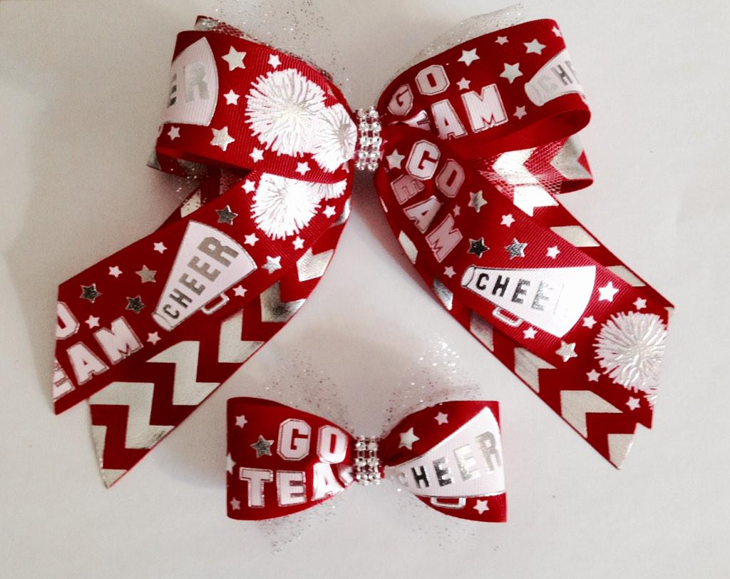 Working with a local Cheer squad to get some new bling!! #cheerleaders #cheerbow #kathyskreations http://t.co/QdbmW7iF7N