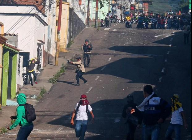 Gobierno de Nicolas Maduro. - Página 29 B7Pogo3CMAARF4V