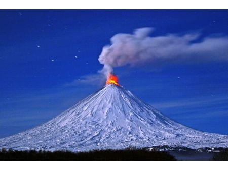 【画像】カムチャツカ半島の火山「クリュチェフスカヤ・ソプカ」、活動活発化でヤバい  ift.tt/1BjBPzQ /:image photo pic.twitter.com/nQil5EBguT