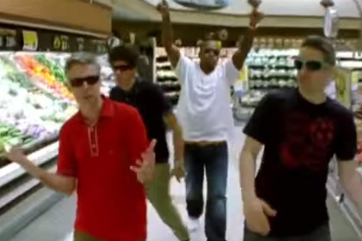 A leaked Beastie Boys/Nas music video gives us one last ill communication. http://t.co/jiK32LXu8a #RIPMCA http://t.co/ctt18ZC6xV