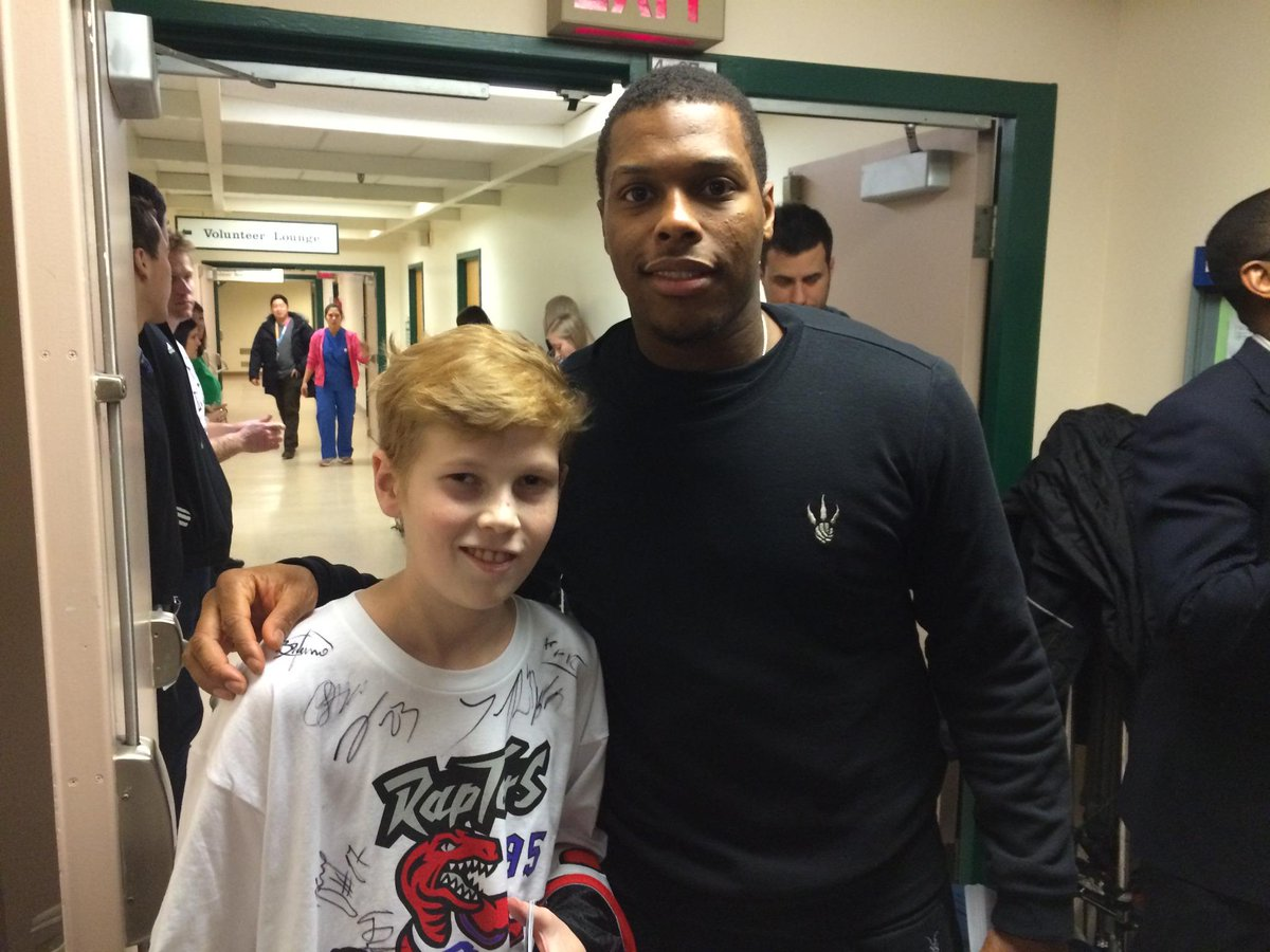 Kyle Lowry is an all star on & off the court! He has #SickKids & @JiriSekac26 vote! #NBABallot @Klow7 @Raptors http://t.co/tuplT50dyk
