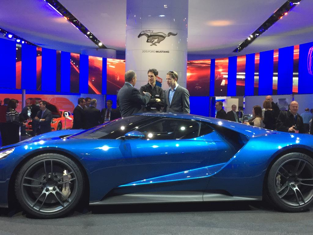 Joeylogano And Keselowski Get An Up Close And Personal Look At The New Ford Gt Pic Twitter Com Kvamhgih