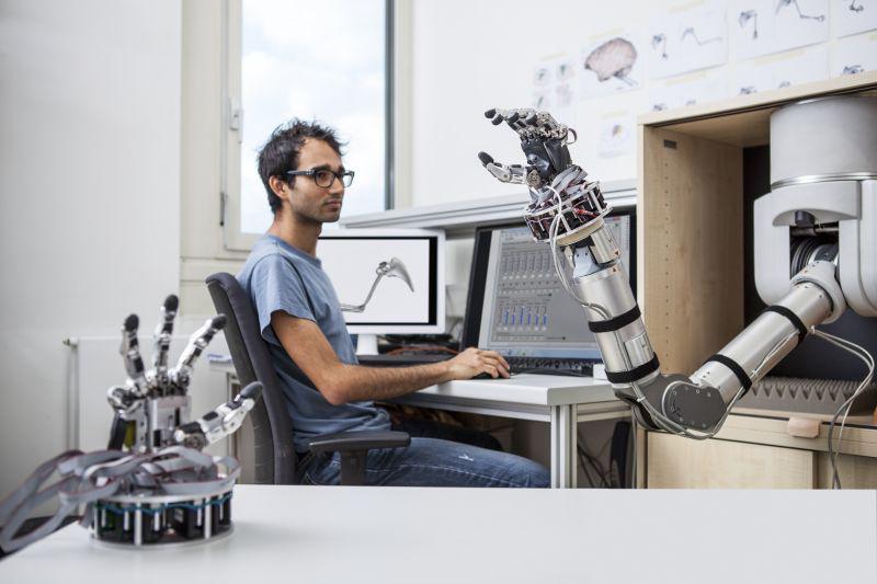 Mit Gedanken einen #Roboterarm steuern? Wie, finden Sie bei der Nacht des Wissens 2015 #ndw15 am Stand des DPZ heraus http://t.co/hpJ1nTjAHh