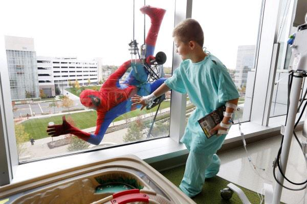 "Vala Afshar on Twitter: ""Window cleaners at Children's hospital  http://t.co/MFhiad25xi"""