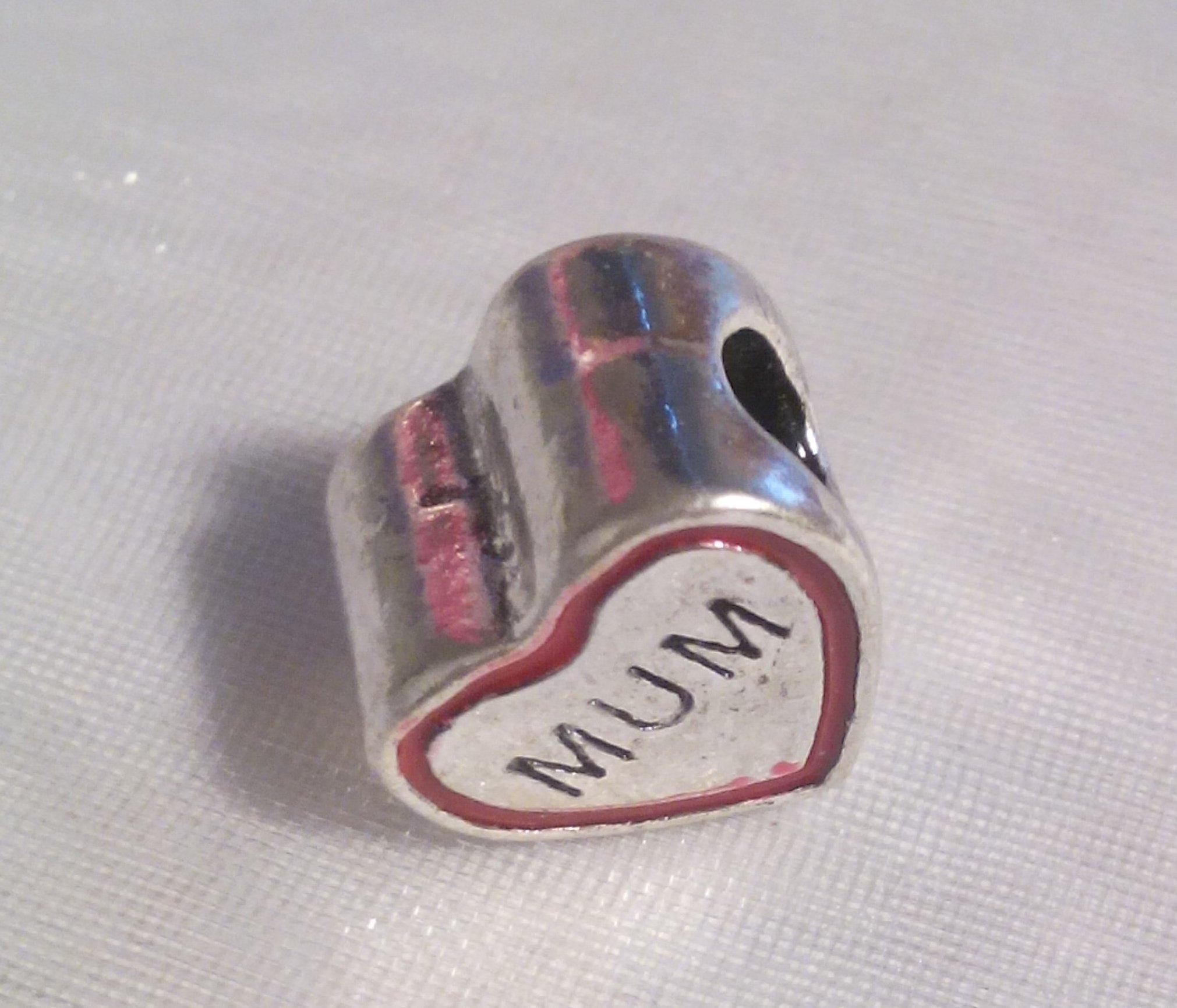 Ruby_Redsky @ruby_redsky Love #mum charms http://t.co/fDZbV6LMR6  http://t.co/wYSS0lbEBg