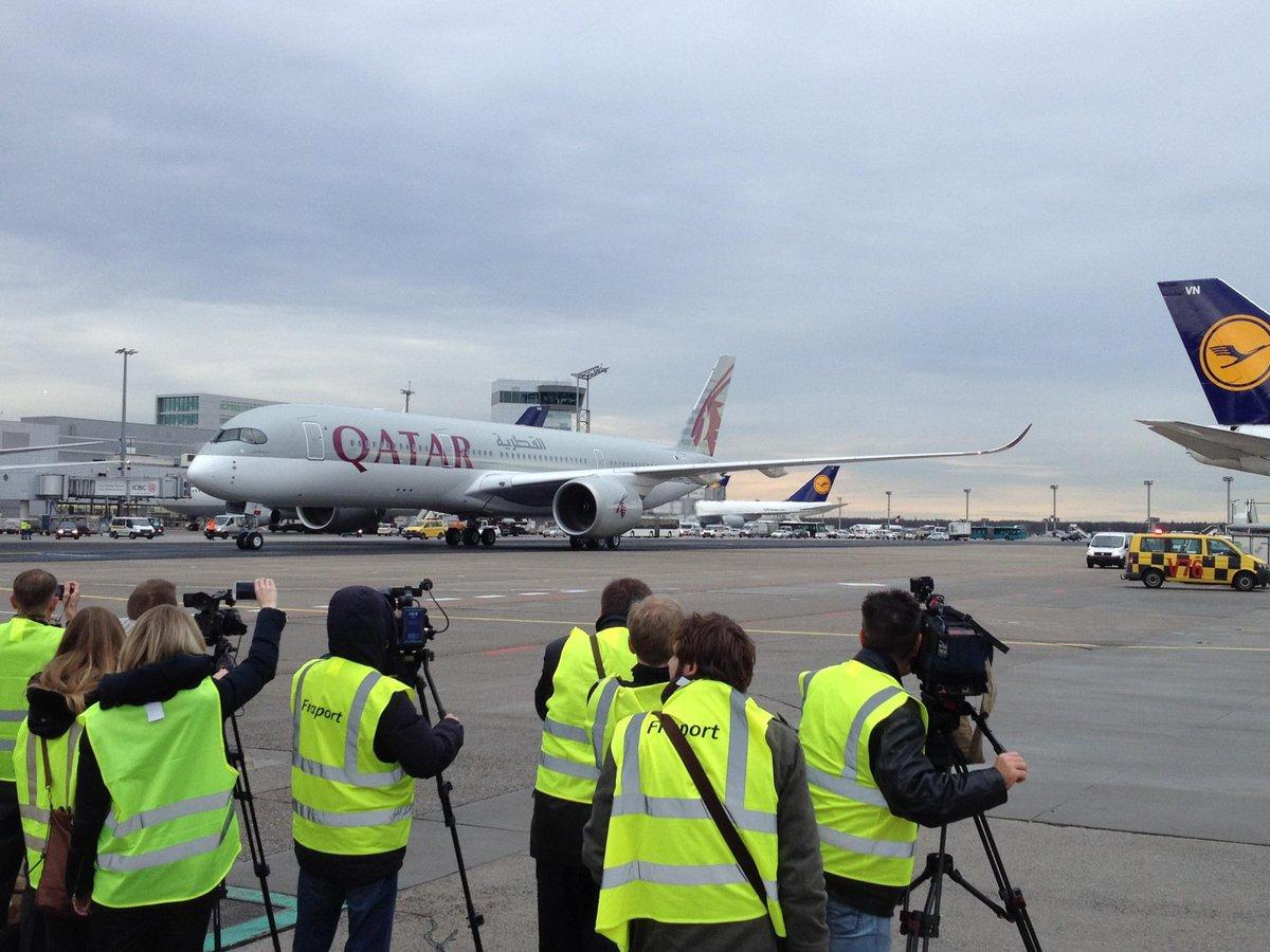 Willkommen in #FRA, #QatarA350! http://t.co/0EbpNqcKZZ @qatarairways @Airbus http://t.co/QWA1gP9Lqh