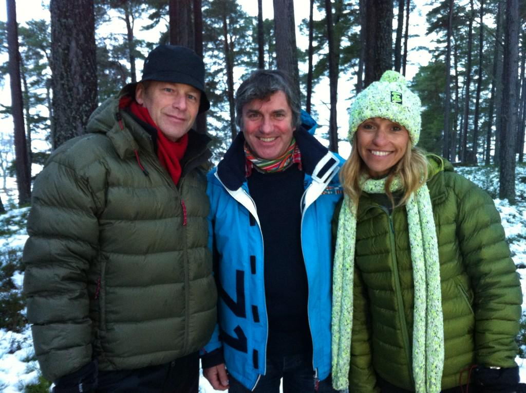 It's a winter wonderland up here at Mar Lodge. The 3 of us layer up for @BBCWinterwatch starts mon @9 http://t.co/Xlmr5yq1xd