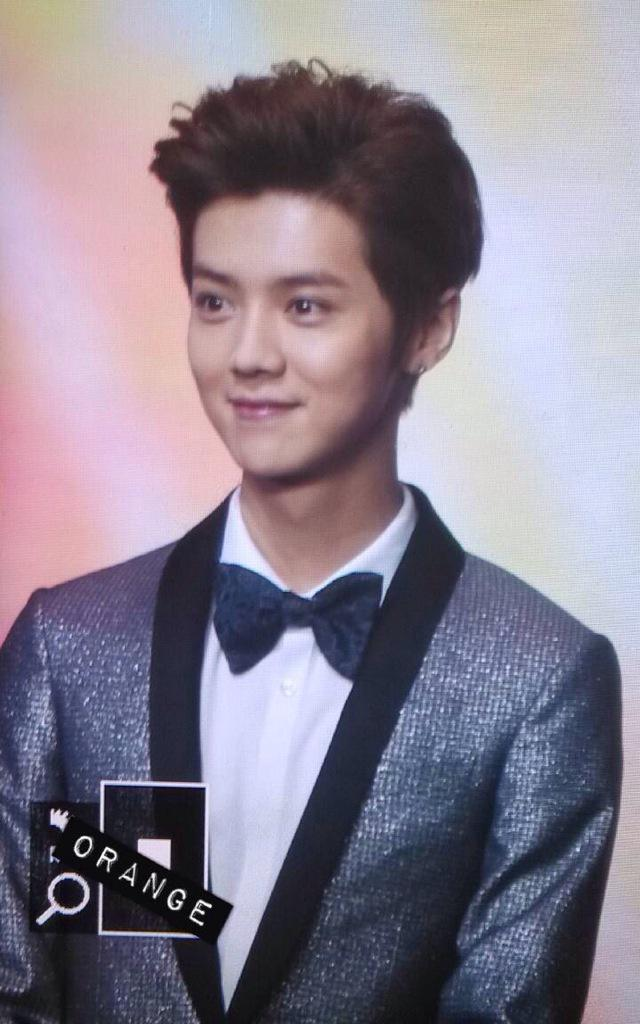 [PREVIEW] 150115 2014 Weibo Awards Night [100P] B7ZG2YvCcAI2sI_