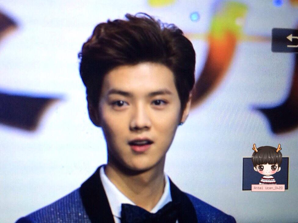 [PREVIEW] 150115 2014 Weibo Awards Night [100P] B7ZGMlzCEAA0QuK