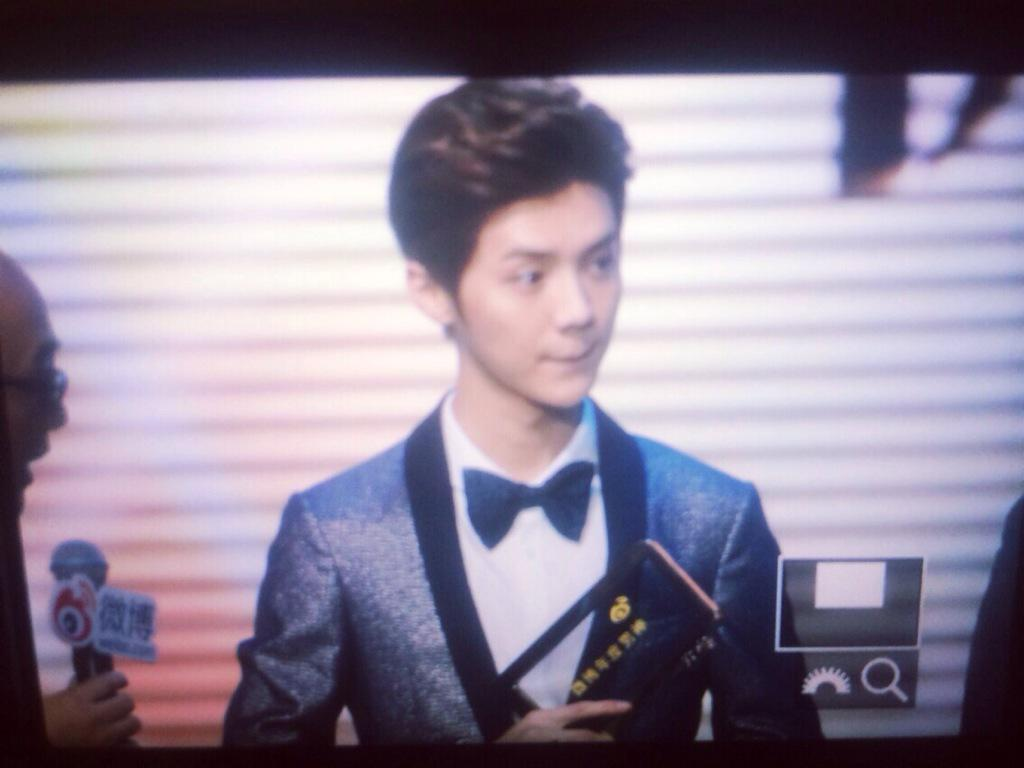 [PREVIEW] 150115 2014 Weibo Awards Night [100P] B7ZGUM_CUAAxVSW