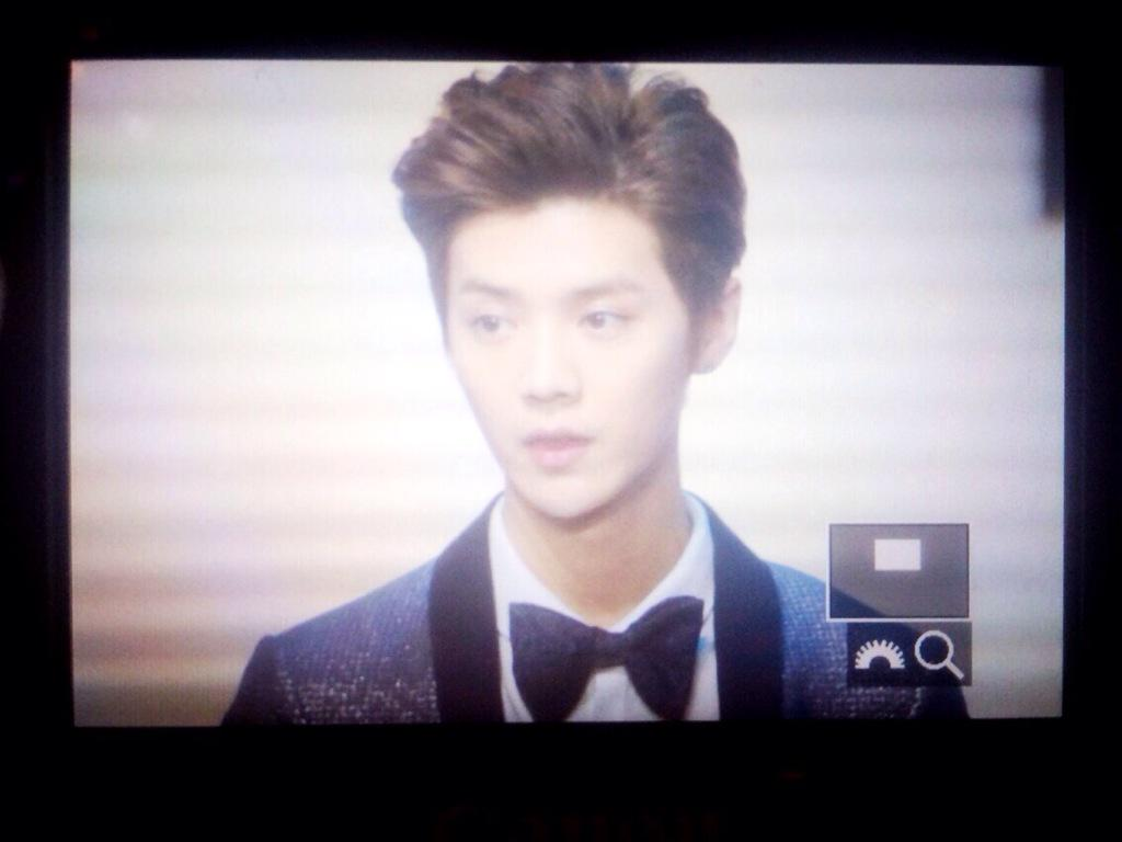 [PREVIEW] 150115 2014 Weibo Awards Night [100P] B7ZGUNVCUAIzg88