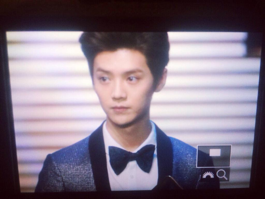 [PREVIEW] 150115 2014 Weibo Awards Night [100P] B7ZGURSCAAA964C