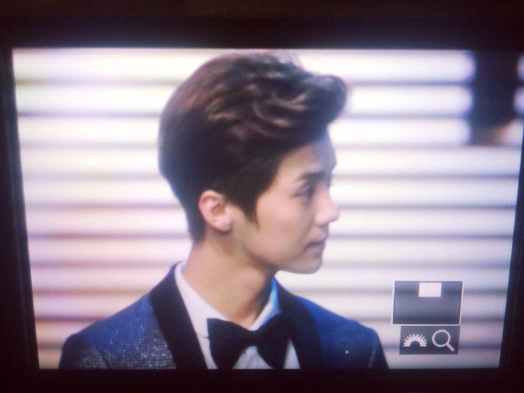 [PREVIEW] 150115 2014 Weibo Awards Night [100P] B7ZGYVkCIAEfUIp