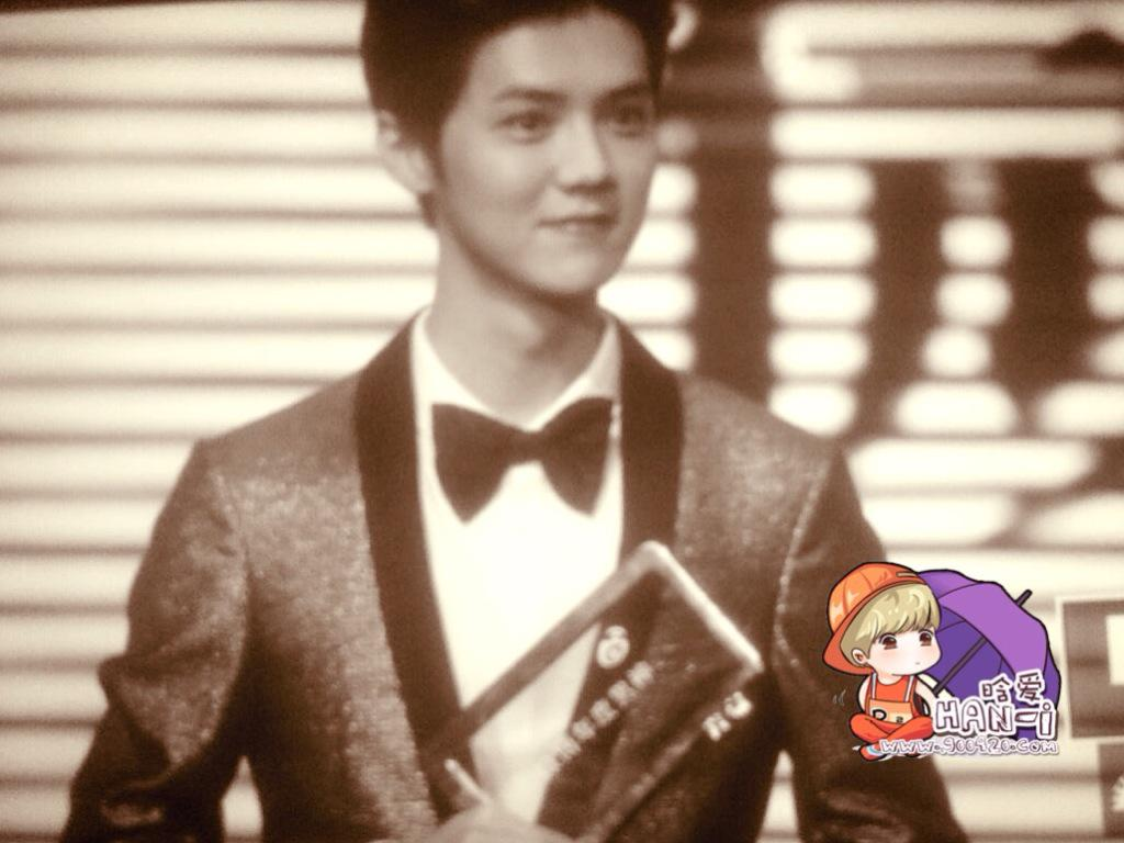 [PREVIEW] 150115 2014 Weibo Awards Night [100P] B7ZGfNICYAA790E